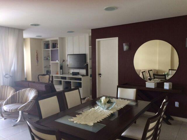 Apartamento 3/4 todo conservado e ventilado com duas vagas d...