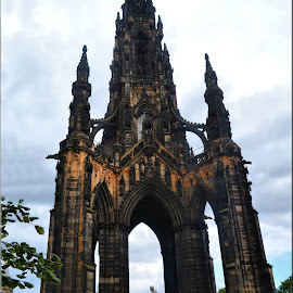 Scott Monument Edinburgh by Nic Scott - Buildings & Architecture Statues & Monuments ( statue, scott monument, edinburgh, monument, princes st gardens )