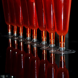 COLOR PRIMARIO by Yako Laverde - Food & Drink Alcohol & Drinks ( hearts, red, drink, art, reflections, travel )