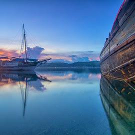 Inside by Fadli 'Zazg' - Transportation Boats