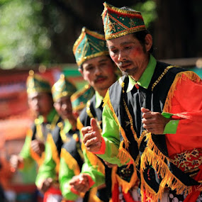 Dance by Harry Cahyono - News & Events World Events