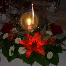 Table Centerpiece by Will McNamee - Public Holidays Christmas ( dld3us@aol.com, gigart@aol.com, aundiram@msn.com, danielmcnamee@comcast.net, mcnamee2169@yahoo.com, ronmead179@comcast.net, Christmas, card, Santa, Santa Claus, holiday, holidays, season, Advent )