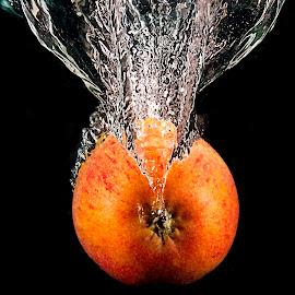 Apple splash by Alan Payne - Food & Drink Fruits & Vegetables ( abstract, water, splash, apple, high speed flash )