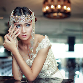 glamour gold by Poetoet Adi - People Portraits of Women