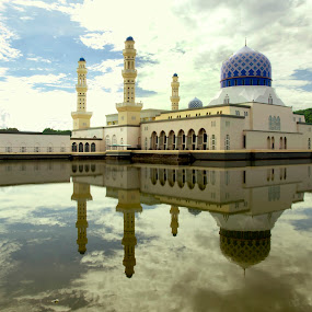 city mosque by Mohd Shahrizan Taib - Buildings & Architecture Other Exteriors ( water, reflection, kota kinabalu, e-30, malaysia, sabah, olympus )