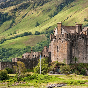 Eilean Donan by Gabriel Catalin - Buildings & Architecture Public & Historical ( scotland, eilean donan, castle, morning, highlands, landmark, travel )