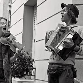 On the Montmartre by Matej Skubic - City,  Street & Park  Street Scenes ( street singers, montmartre, sing, street, acordian, amusment )