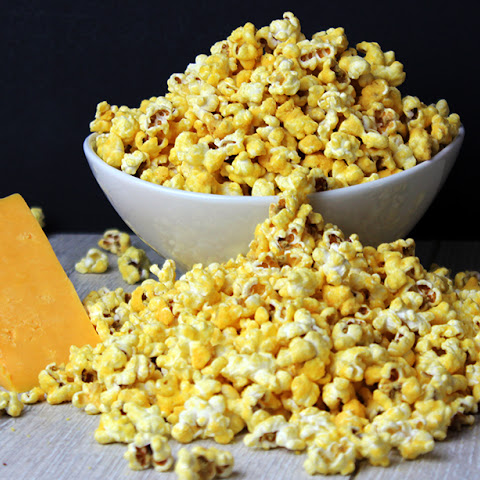 Homemade Cheddar Cheese Popcorn (Perfect for Movie Nights!)
