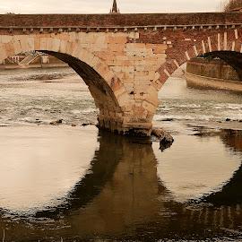 Detail of roman bridge by Giancarlo Ferraro - Buildings & Architecture Bridges & Suspended Structures ( water, old, bridge )