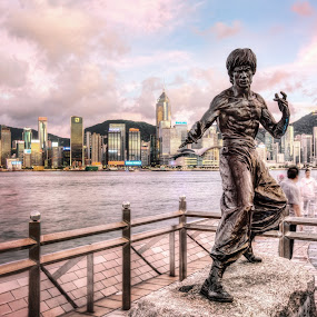 The King of Kungfu by Gema Goeyardi - Buildings & Architecture Statues & Monuments ( avenue of stars, bruce lee )