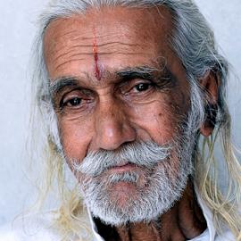 Muche ho too Nathulal jaisa by দ্বিজেন মহন্ত - People Portraits of Men ( old, emotional, emotions, old man, portrait, emotion, portrait of old man,  )