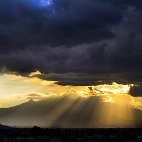 Sun rays and storm by Cristobal Garciaferro Rubio - Landscapes Weather ( volcano, cluds, storm, sun rays )