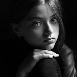 shades of Grey by Danuta Czapka - Black & White Portraits & People ( child, natural light, black and white, photography, portrait )