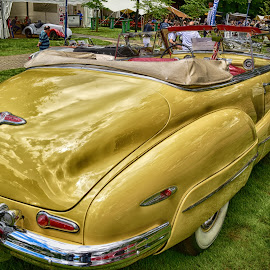 Vintage Buick by Marco Bertamé - Transportation Automobiles ( red, vintage, 1948, 76c, green, chrome, white, buick, lines, bumper, oldtimer, yellow, curved, roadmaster )