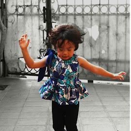 Happines is Her by Panjaitan Subhan - Babies & Children Children Candids