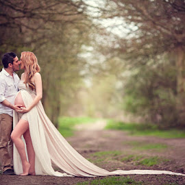 Mandy & Kev by Claire Conybeare - Chinchilla Photography - People Maternity
