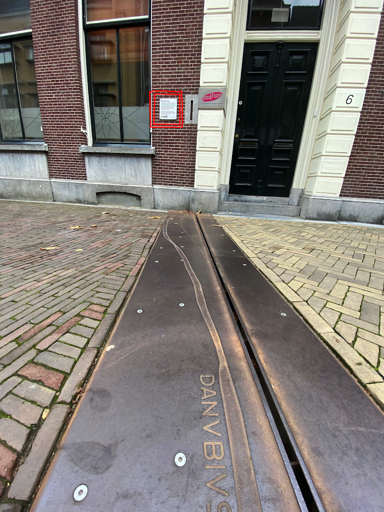 This plaques is on of a series of plaques that explain the marking in the pavement. The plaque reads: almost 2000 years ago the Romans built a fort named Castellum Trajectum. This marking indicates ...