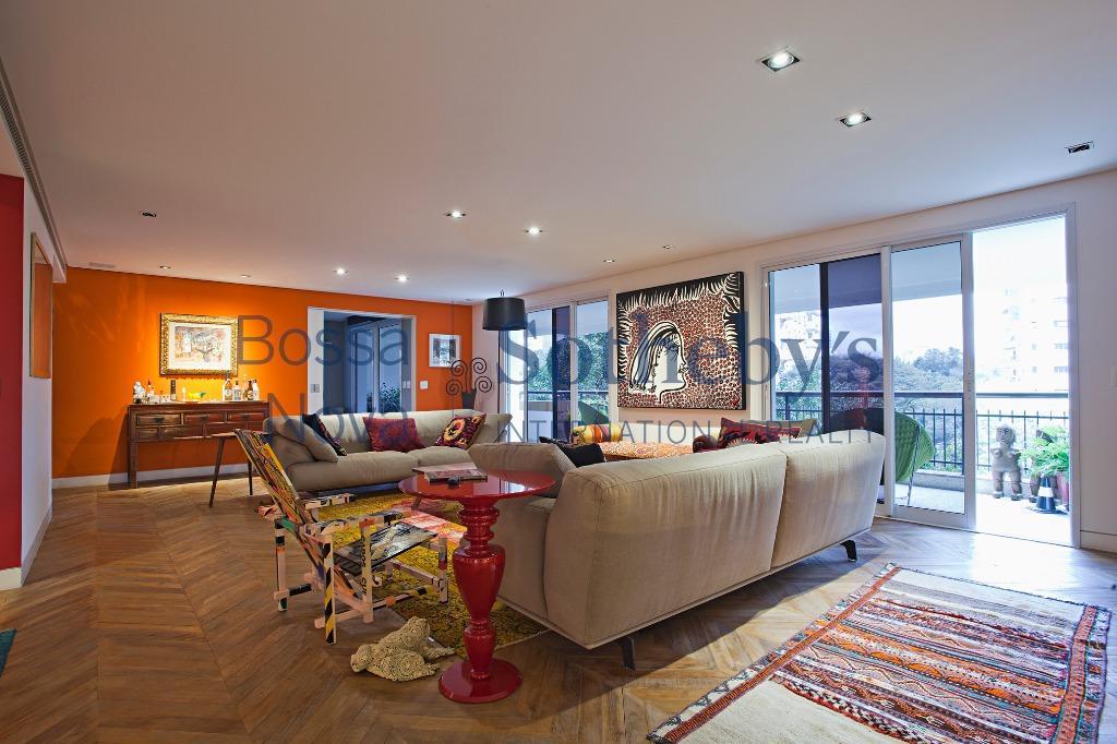 Apartamento com reforma moderna no Jardim Paulistano