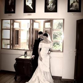 Intimate by Hector Rivera - Wedding Bride & Groom