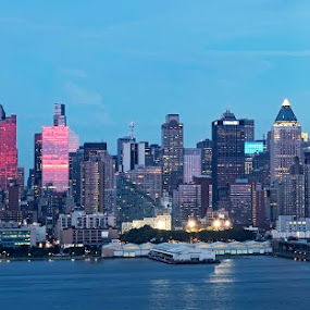 Manhattan Skyline by Kah Wai Lin - City,  Street & Park  Skylines