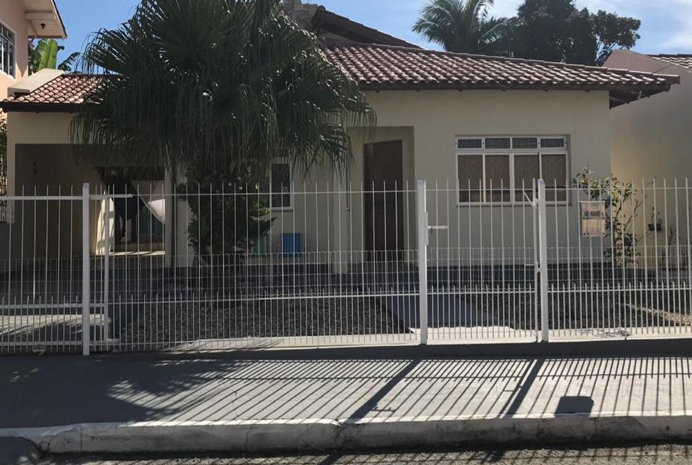 Casa com 3 dormitórios à venda, 160 m² por R$ 800.000,00 - Pagani - Palhoça/SC