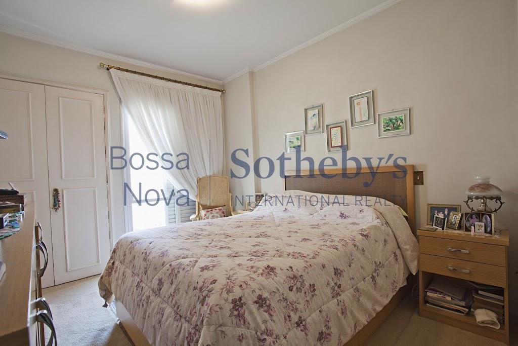 Ótimo apartamento, localizado em rua sem saída, no coração de Pinheiros.