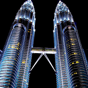Petronas Twin Tower by Chandra Mouli Roy Chowdhury - Buildings & Architecture Office Buildings & Hotels ( office, klcc, kualalumpur, night picture, petronas, twin tower )