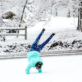 Cartwheel in the snow by Jak Conrad - Novices Only Street & Candid ( playing, cartwheel, winter, girl, snow, play, fun )