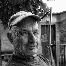 by Donato Fratoianni - Black & White Portraits & People