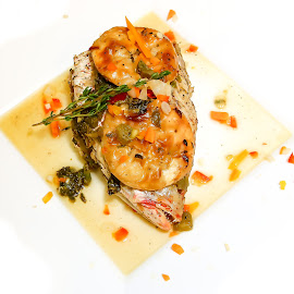 by Ronald Motz - Food & Drink Plated Food ( food tasting, fish, food, fishhead )