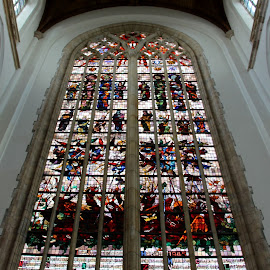 Stained glass by Anita Berghoef - Buildings & Architecture Places of Worship ( window, the netherlands, place of worship, architectural, windows, architectural detail, nieuwe kerk, architecture, stained glass, delft )