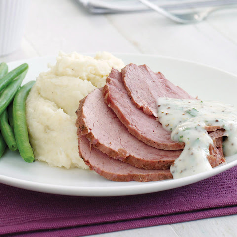 Corned Beef with Mashed Potatoes and Cauliflower