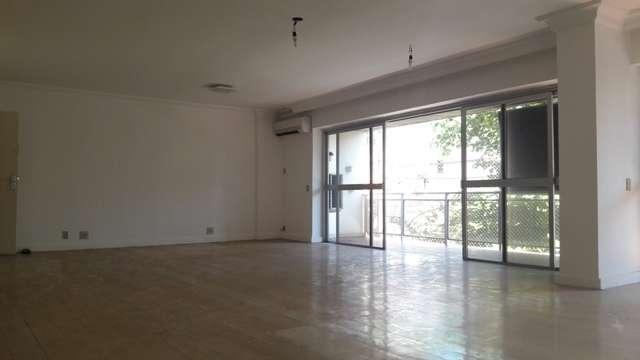 Apartamento em Urca  -  Rio de Janeiro - RJ