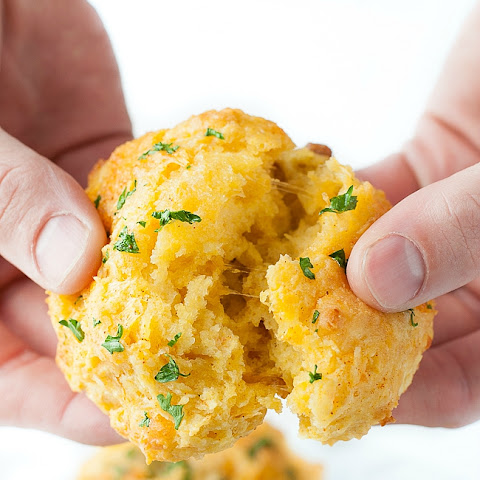 Cheesy Cheddar Bay Biscuit Copycat