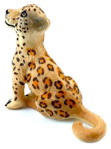 "Игрушка-фигурка серии ""Город Игр"", детеныш леопарда S, коричневый, сидит"