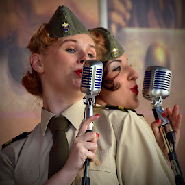 Smooth Operator by Marco Bertamé - People Musicians & Entertainers ( army, two, duo, microphonesinging, tie, green, cap, woman, sgt wilson, lady, entertainers, singer )