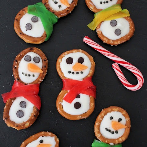 Snowman Pretzels Holiday Treats