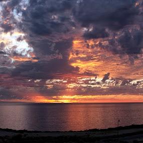 sunset by West Aus Storms . - Landscapes Waterscapes ( sunset, seascapes, weather, waterscapes )