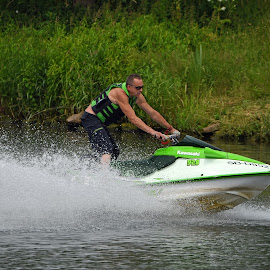 Speed'm Splash by Marco Bertamé - Sports & Fitness Watersports