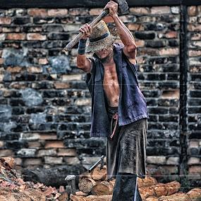 Axemen by Nuzul Taufiq - People Street & Candids ( kualasepetang, malysia, photographer, humaninterest, perak, nuzultaufiq )