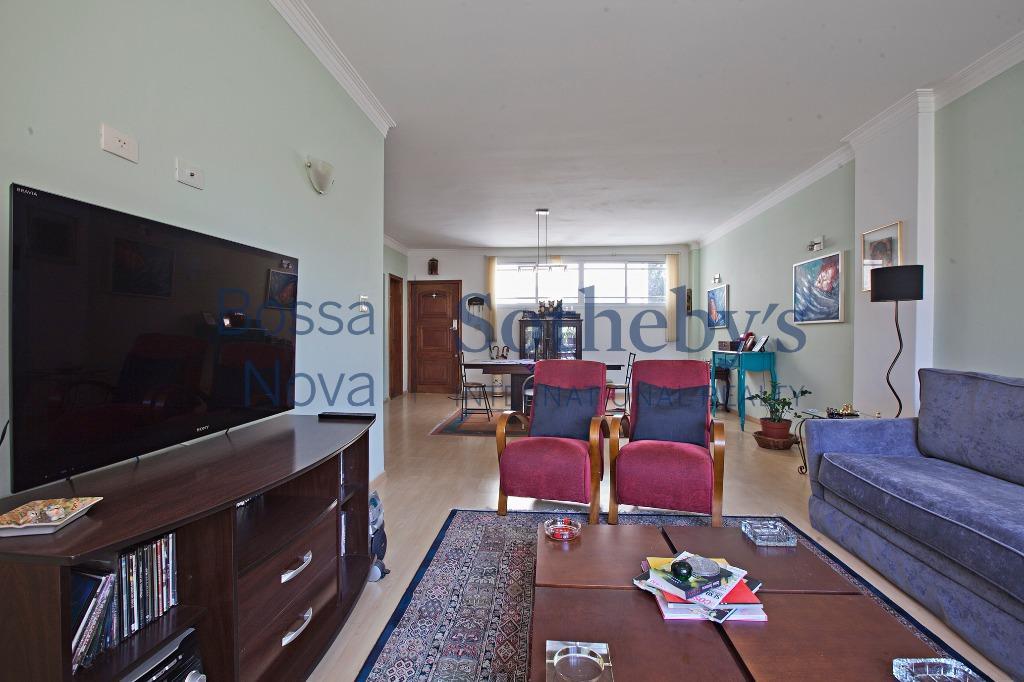 Apartamento residencial com ótima localização, para venda e locação, Bela Vista, São Paulo.