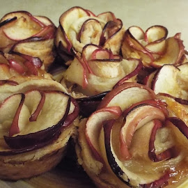 Apple Rose Desert by Donna Probasco - Novices Only Objects & Still Life (  )