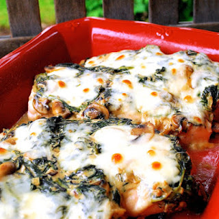 Cheesy Spinach & Mushroom Chicken Bake
