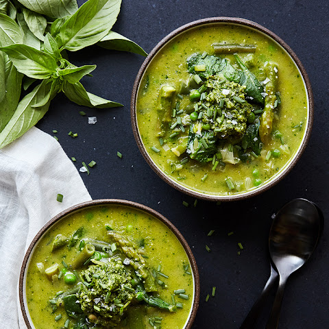 Spring Green Minestrone Soup with Basil Pesto {gluten-free with paleo, vegetarian and vegan options)