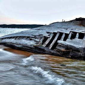 Dead Men Tell No Tales by Flora Ehrlich - Transportation Boats