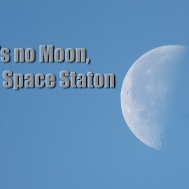 That's No Moon by David Clare - Typography Captioned Photos ( space station, moon, sky, quote, star wars,  )