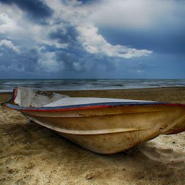 Boat by Marcello Mariano - Transportation Boats ( beaches, sea, seascape, beach, boat )