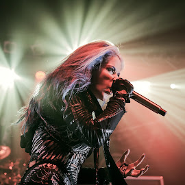 Alissa White Gluz, Arch Enemy by Paweł Mielko - People Musicians & Entertainers ( music, concert, vocal, onstage, concert photography, stage, vocalist, lights, metal, alissa white gluz, arch enemy, melodicdeathmetal, metalband, concertgig, metal music, portraits )