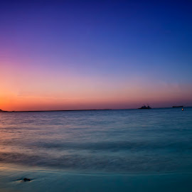 Jumeirah Beach by Abbas Mohammed - Landscapes Waterscapes