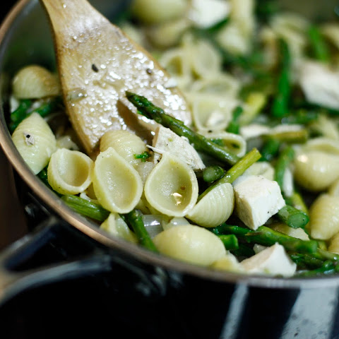 Pasta Shells with Asparagus